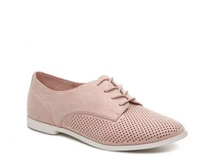 Kelly and Katie Malindi Oxford DSW | Fall Shoe Trends